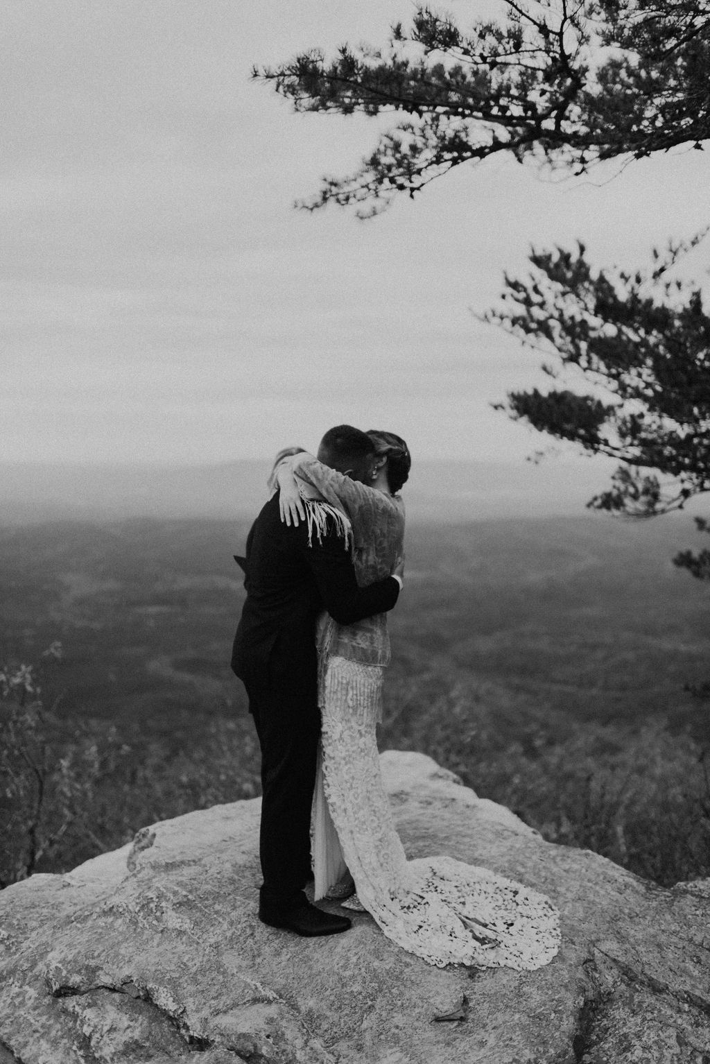 boho-mountain-elopement-in-alabama-158.jpg