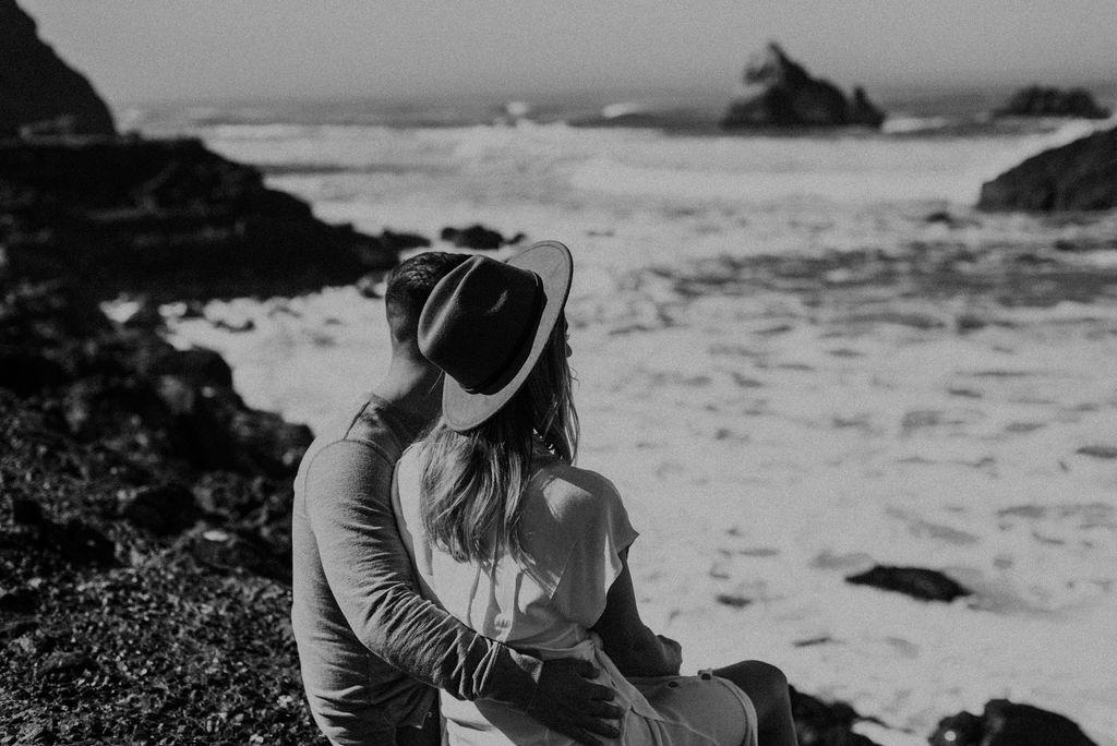 San Francisco Couple Session at Marin Headlands & The Golden Gate Bridge 94.jpg