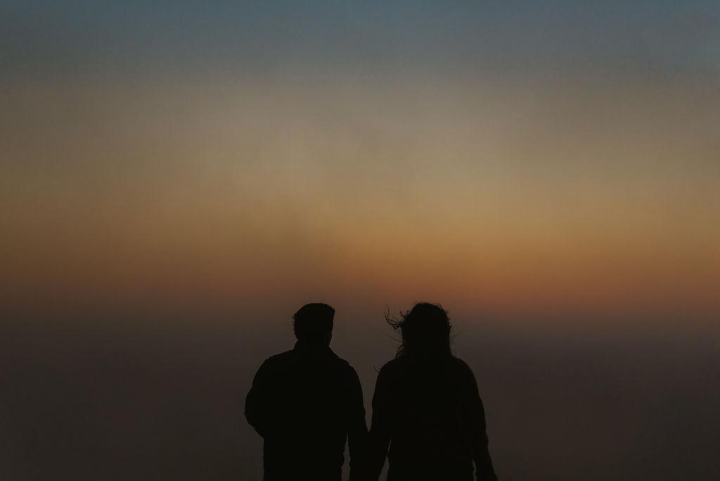 alabama-foggy-sunrise-engagement-session_10.jpg