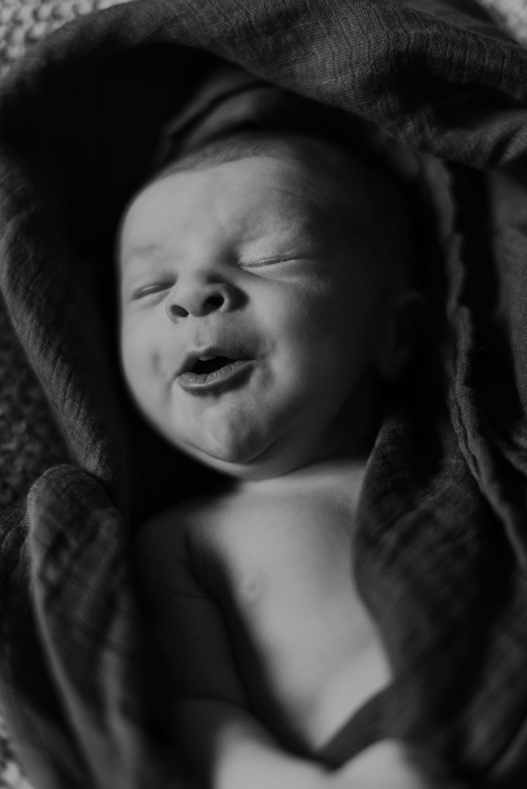 in-home-newborn-session-jonah-dakota-chasity-photography-13.jpg