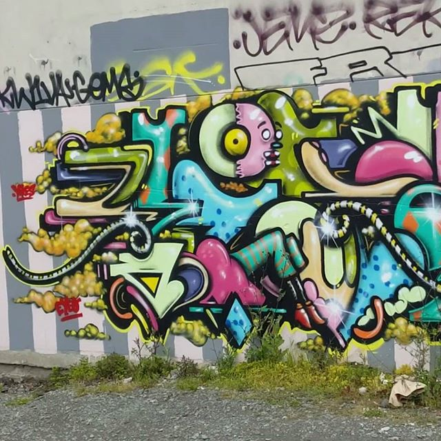 A shot of a section of a wall in central Christchurch, NZ. I recently finished an edit of the Graffiti and Street Art footage I took while out in New Zealand. Artwork by loads of artists like buff monster, Phlegm, Pixel Pancho and Andrew Steel. Link to the YouTube video is in bio... #graffiti #streetart #newzealand #art