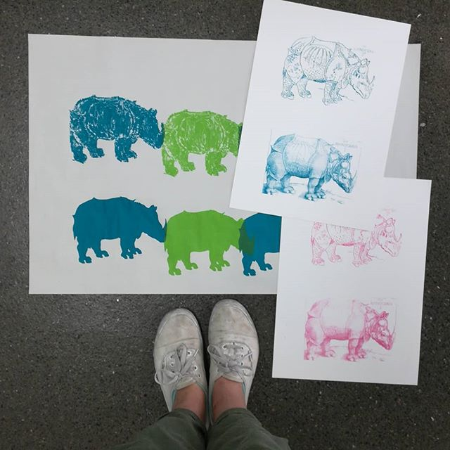Spending my Saturday printing rhino's at @wimbledonual with kiddos. #printmaking #screenprinting #printspotters #liveprinting #workshop #ual #printworkshop