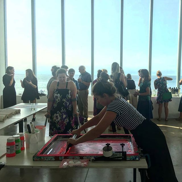 Print workshop with the best back drop at @turnercontemporary #printmaking #screenprinting #printspotters #liveprinting #workshop #museumevents #craftworkshop #turnercontemporary