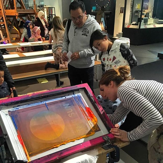 Double printing weekend at the  @sciencemuseum 😵 made colour blends all day with kids and adults and wrote secret invisible uv ink messages on the top 🕵️‍♂️🕵️‍♀️ #printmaking #screenprinting #printspotters #liveprinting #workshop #events #artworkshop #sunfestival #colour #kidsworkshop #kidsinmuseums #portablescreenprinting