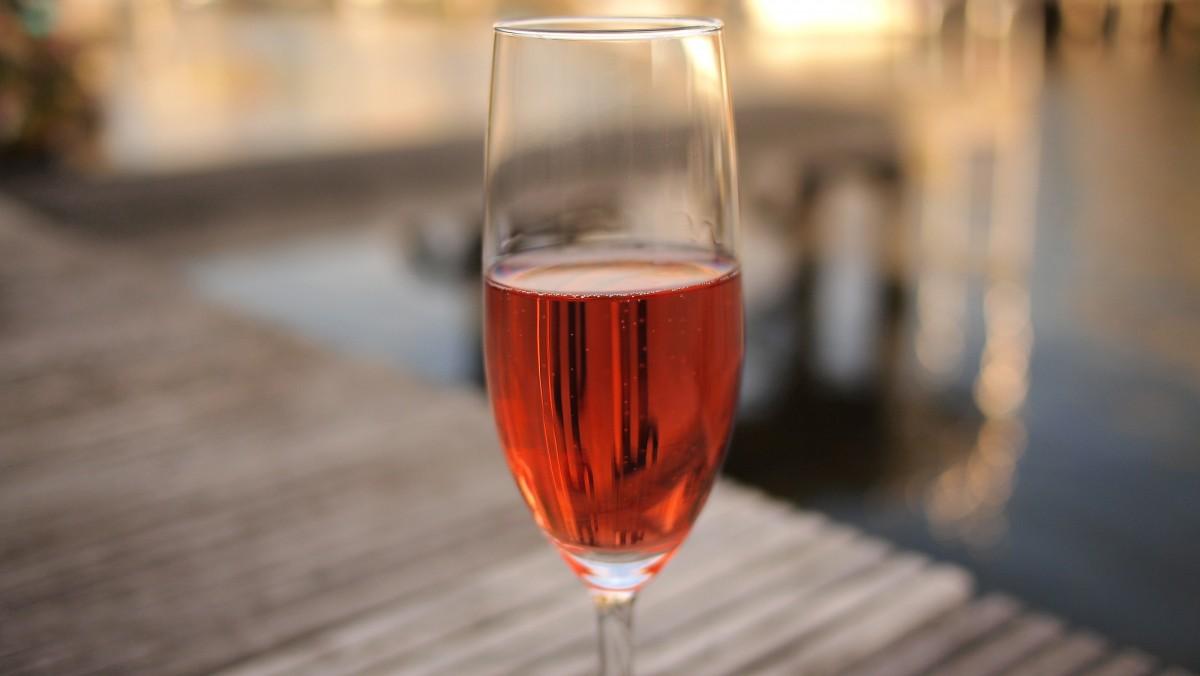 rosé wine.jpg