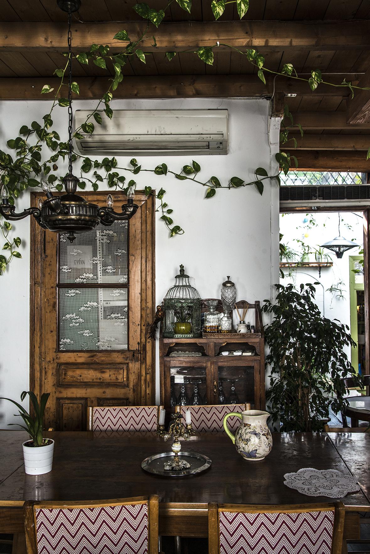 Athens Café 2.jpg