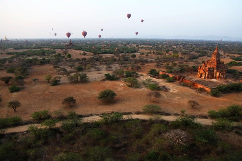 baganballoon(brighter).jpg