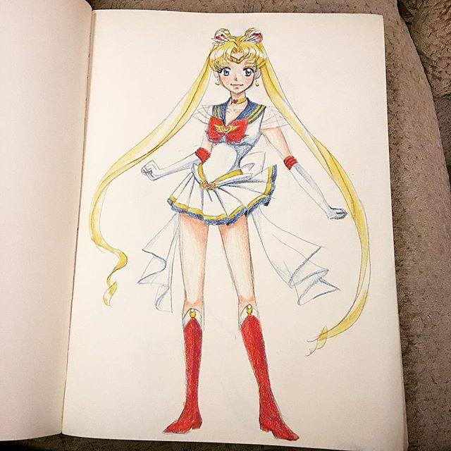 Got some new Prismacolor colored pencils and was itching to see how they compare to my Crayolas 🤓 So I decided to doodle the best thing I could think of, and my favorite incarnation of the pretty guardian, Super Sailor Moon 🌙🌙🌟✨⭐️ #sketchy #coloredpencil #sailormoon #supersailormoon