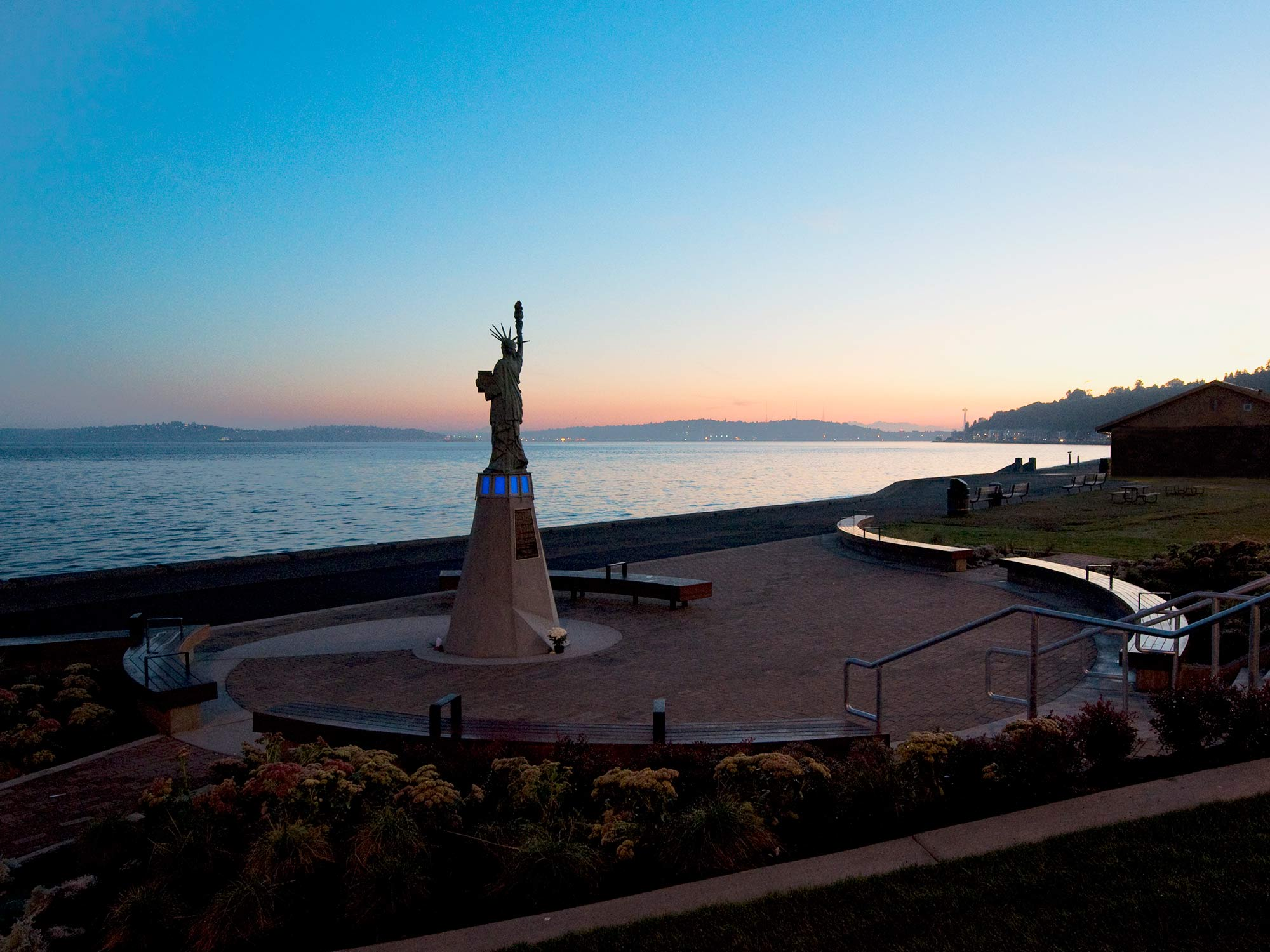 A public art restoration to renew a local icon and gathering place. The project draws its inspiration from the maritime context, community comment, and a symbolic radiance of the Statue's ideals.
