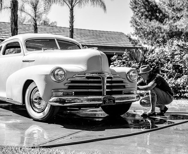 The relationship between a man and his Kustom. #deathbeforenormalcy #stantonhandcrafted #kustomkulture #KofSD