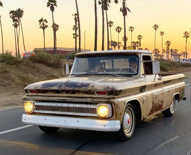 """@c_naran11 and his sweet new #c10 named """"Puddin""""  #deathbeforenormalcy #stantonhandcrafted #PalmTreesAndPetrol"""