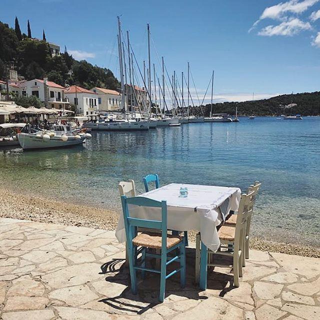 #holiday #sea #greece #seaside #kioni #sailing #travel #travelgram #instaplace #greek #greekisland #wanderlust #wonderful_places #swim #village #charm #greekvillage #summer #europe #beautiful #yachtlife #locals #tourist #cosy #afternoon #greek #restaurant #sunny #sea #lunchspot #lunch