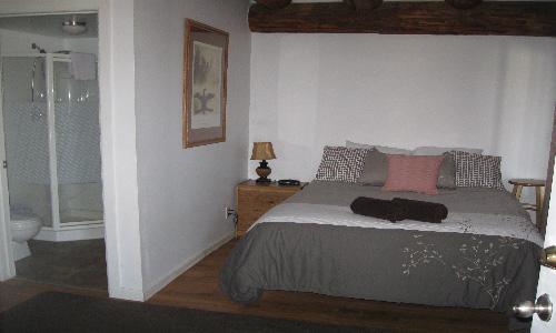 Room 18, Queen Room (7).JPG