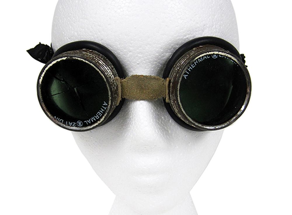 AUM_web_goggles.jpg