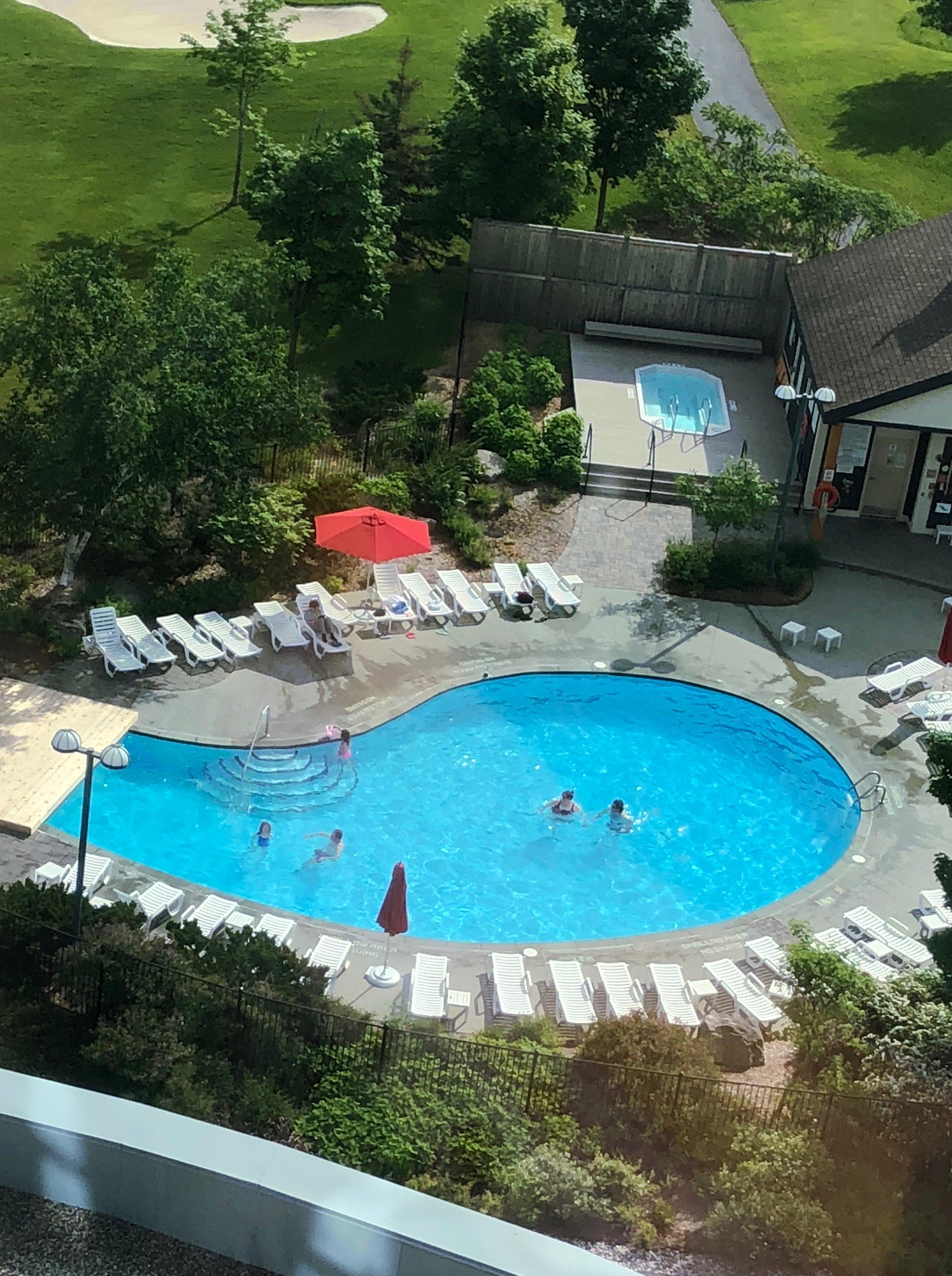 Brookstreet Hotel Pools