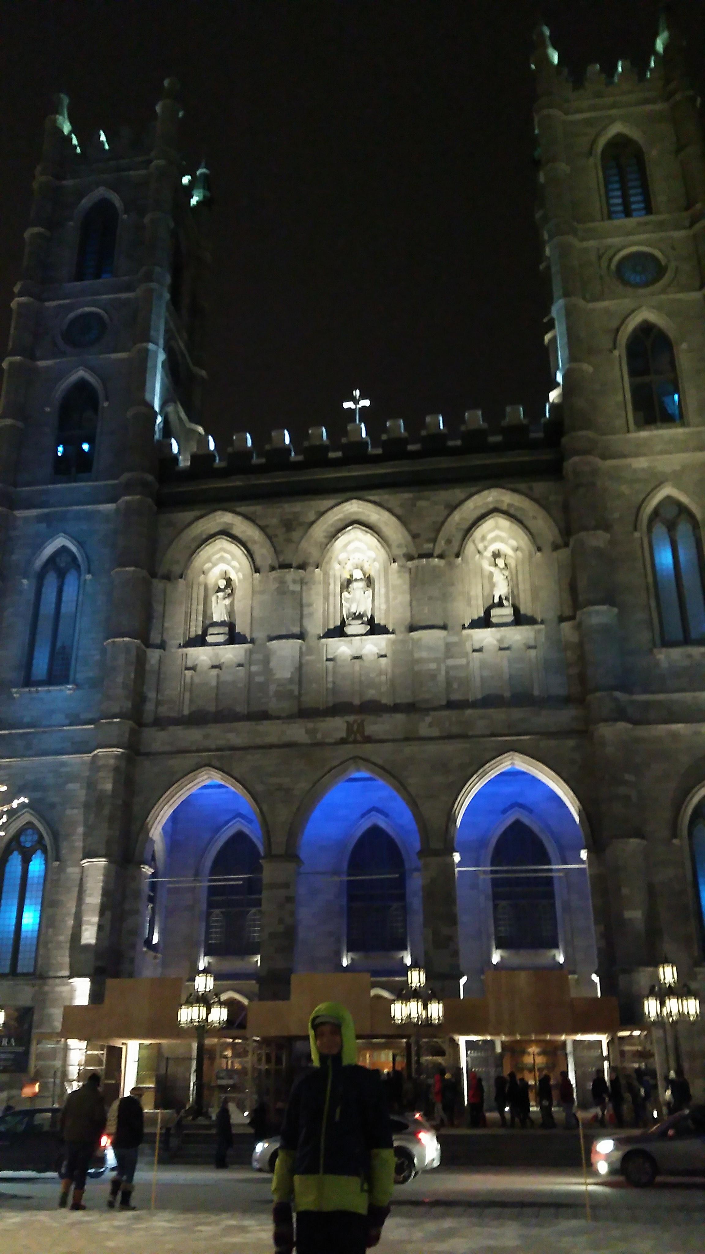 Notre Dame Basilica - Aura performance
