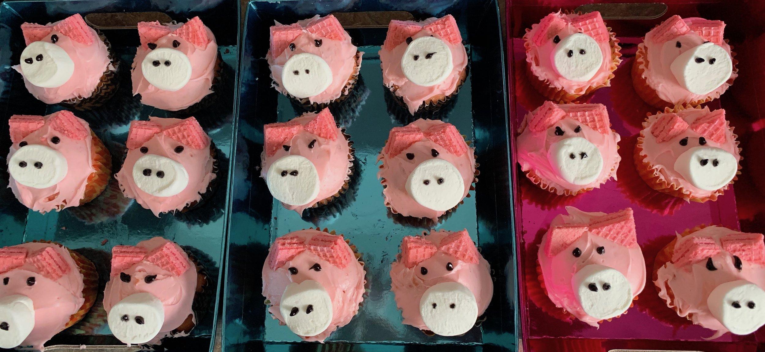Simple Cake Walk Ideas - Little Piggie Cupcakes