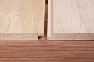 Shiplap joint for cladding and paneling