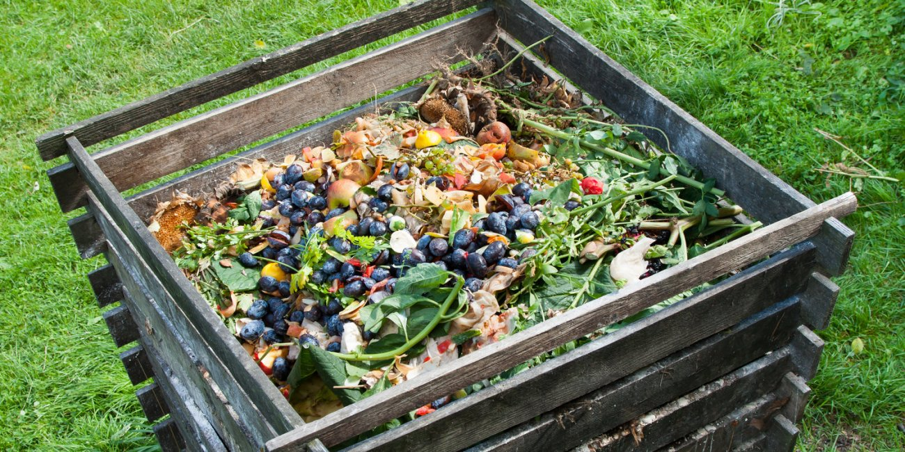 Home made compost pile - source tasteforlife.com