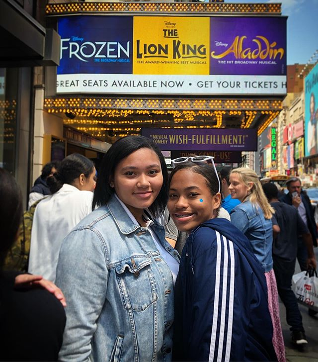 As the school year is wrapping up, we are thrilled to have offered stimulating experiences to all of the @DisneyonBroadway shows this Spring. Especially treating our 8th graders to @Aladdin before they explore a whole new world after graduation ✨. #SituationProject #ExperiencesMatter #Disney #TheLionKing #Aladdin #Frozen #tbt