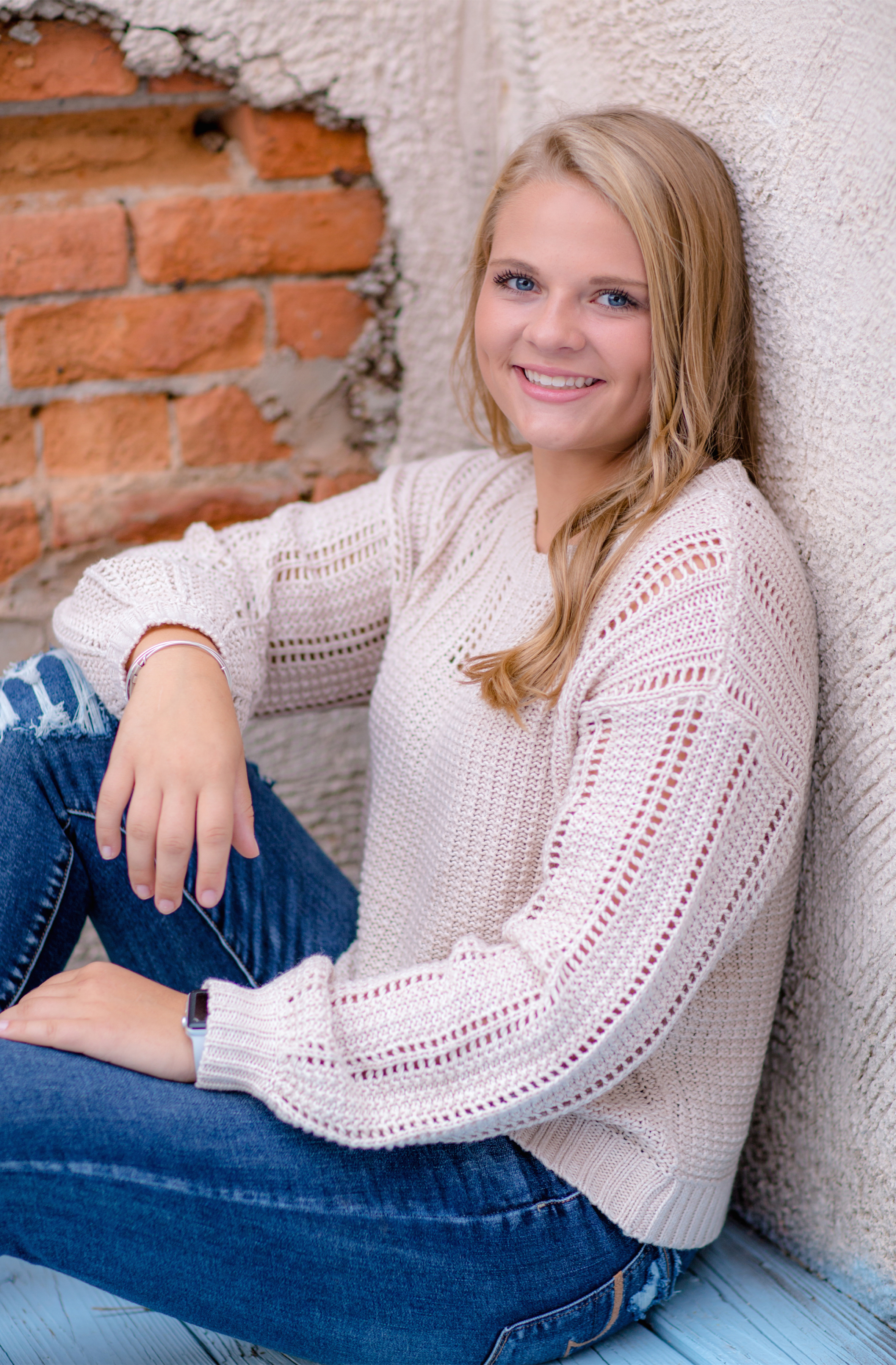 Alexis_Scalise_Senior_09.jpg