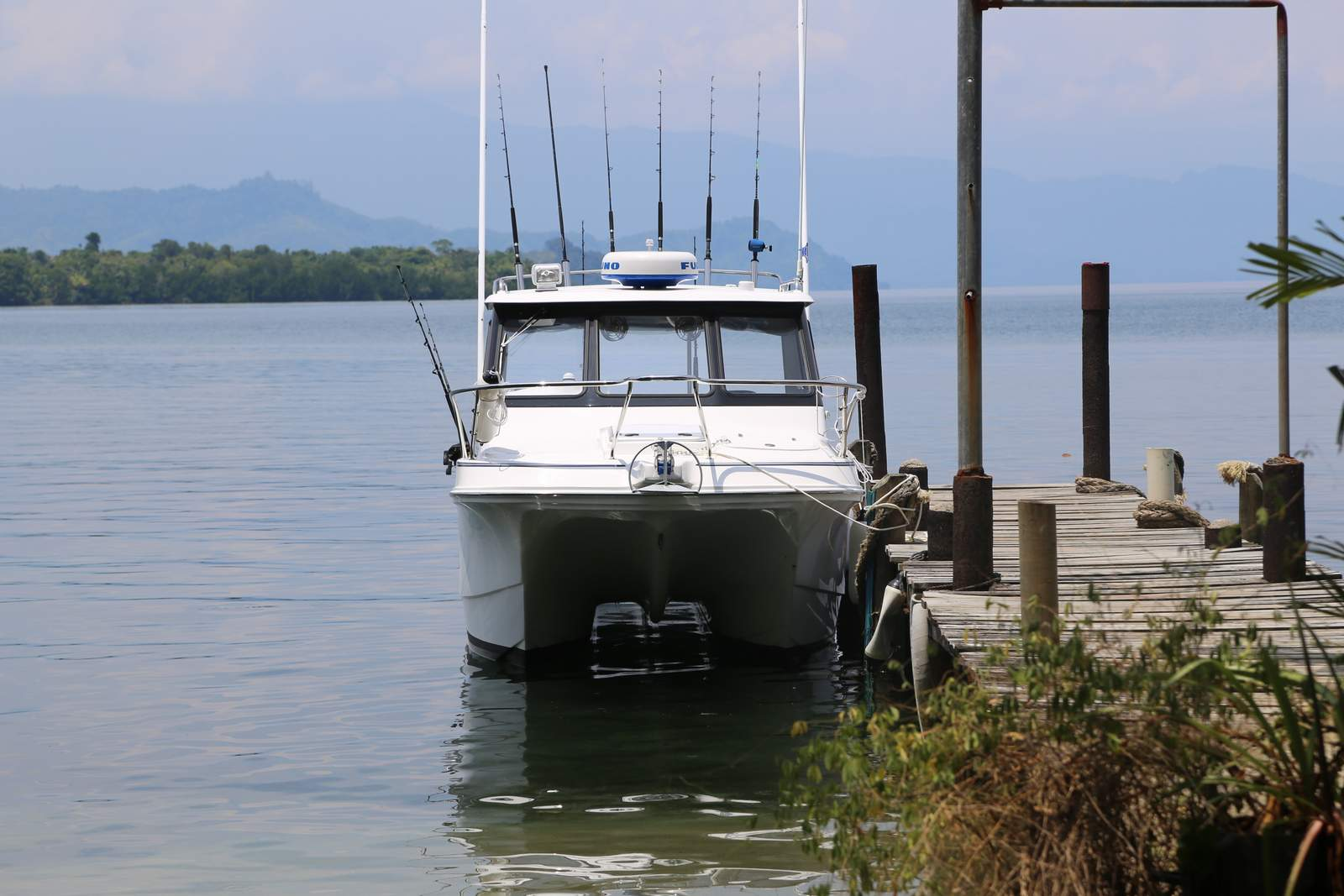Noosa Cat 2400 Cabin (2).JPG
