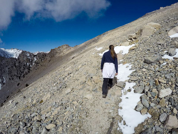 The trail up towards Kearsarge with Pothole Lake to the left was well-maintained and clear of snow