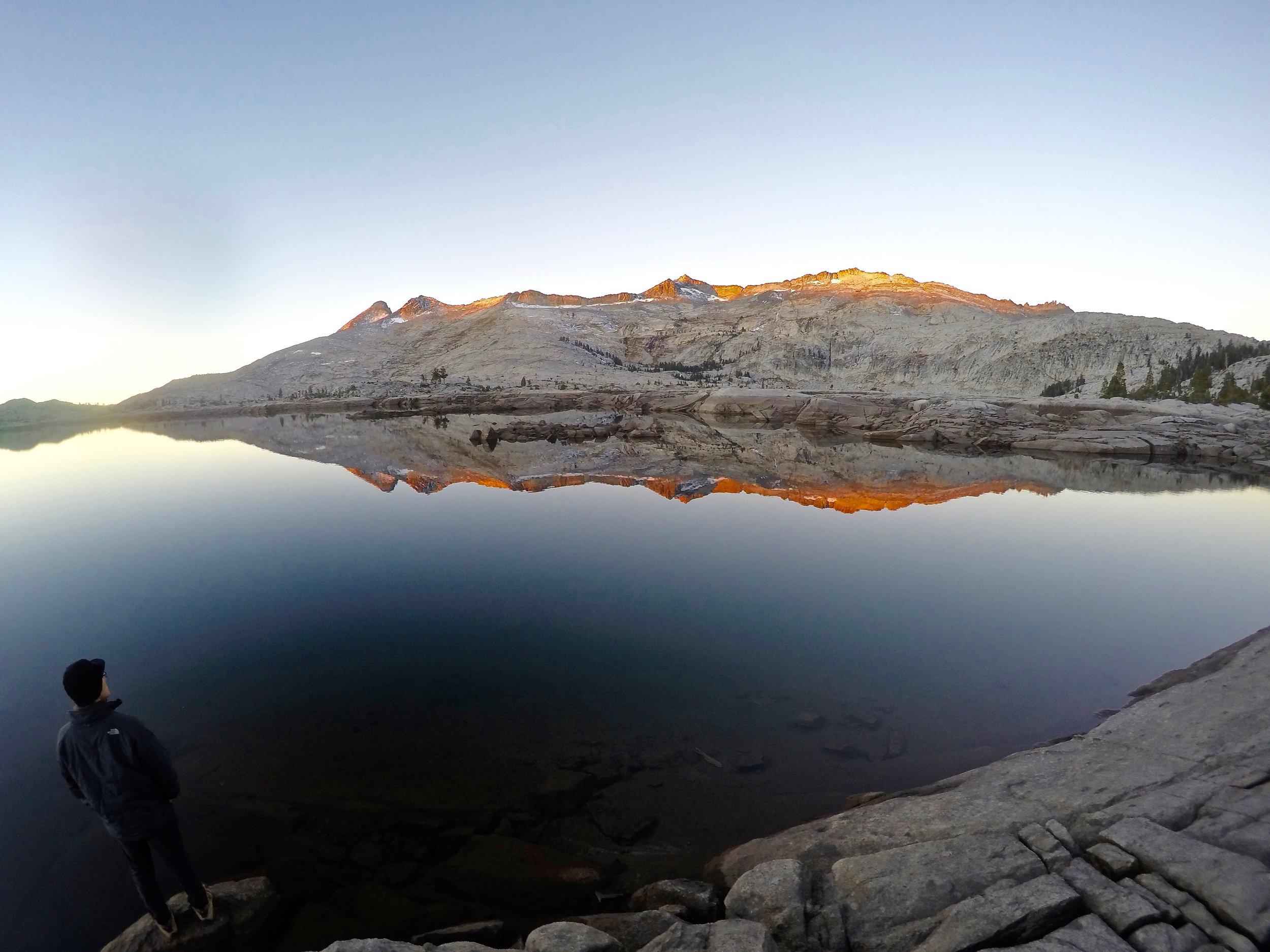 sunrise-aloha-lake-backpacking