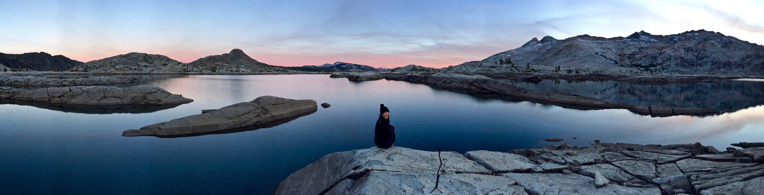 sunset-lake-aloha-desolation-wilderness-backpacking-trip