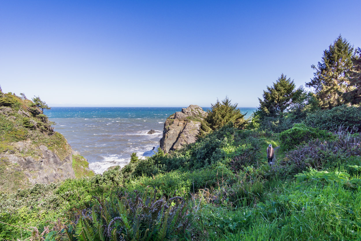 wedding-rock-hike-patricks-point