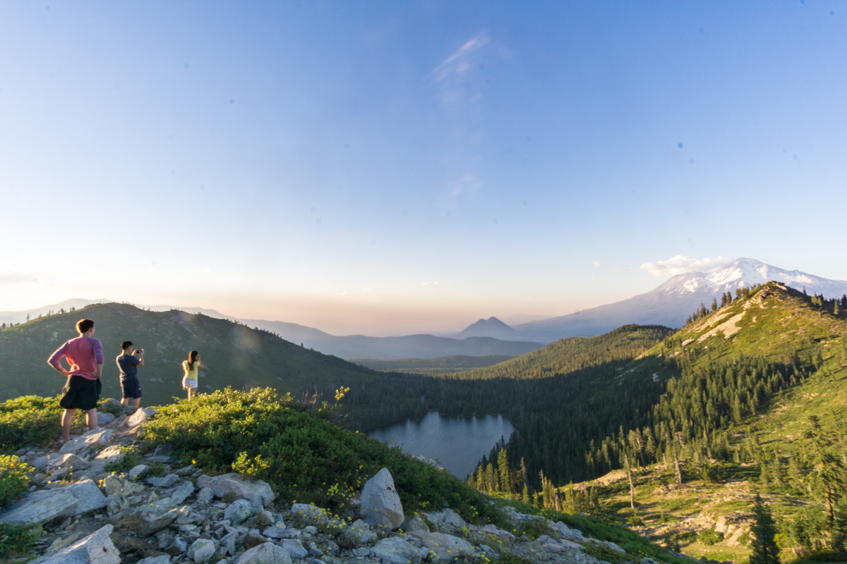 Stunning views of Castle Lake and Mount Shasta