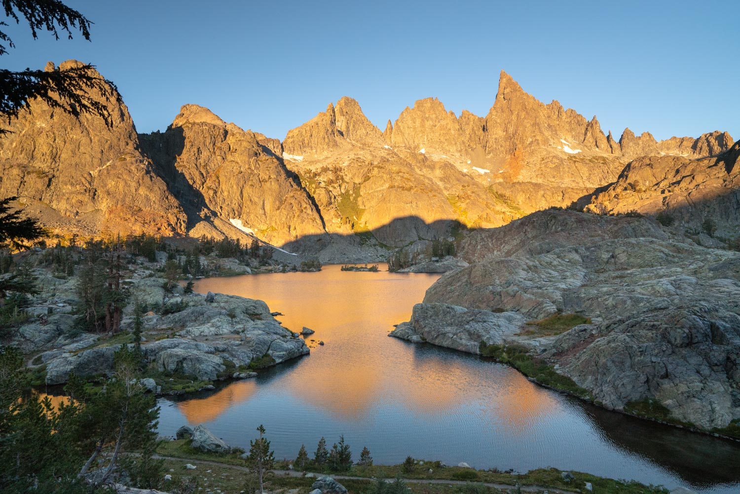 short backpacking trips in Mammoth