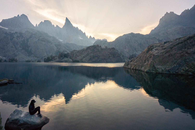 minaret-lake-sunset-backpacking-hike.jpg