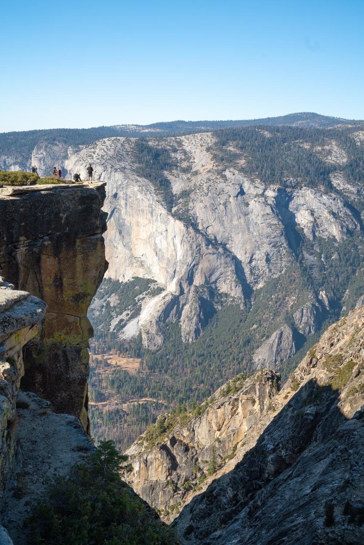 taft-point-fissures-yosemite-hike-305595.jpg