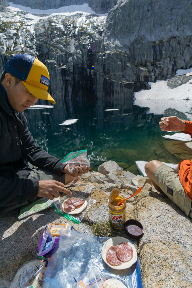 what food to pack for backpacking