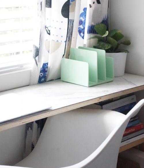 small space deskJPG