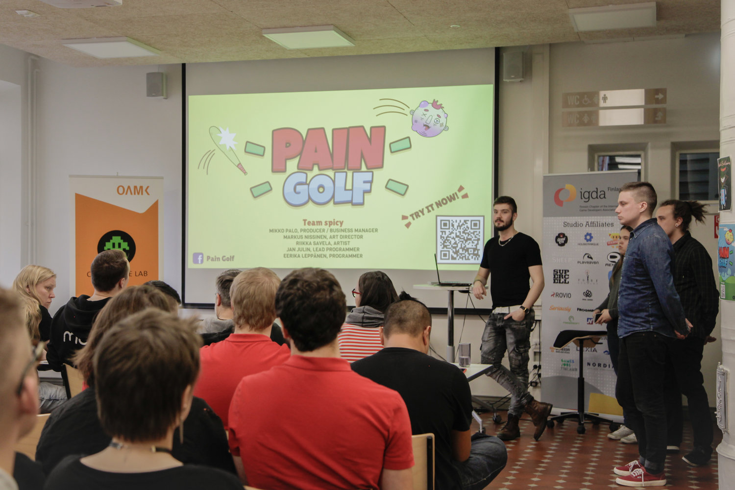 "TEAM SPICY PRESENTING THEIR GAME ""PAIN GOLF""."