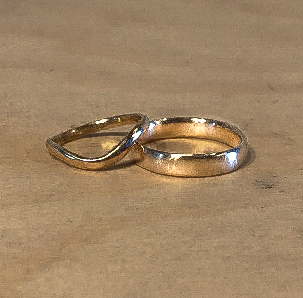 Christina & Tom in 2019 … made in 18ct yellow gold and 9ct yellow gold