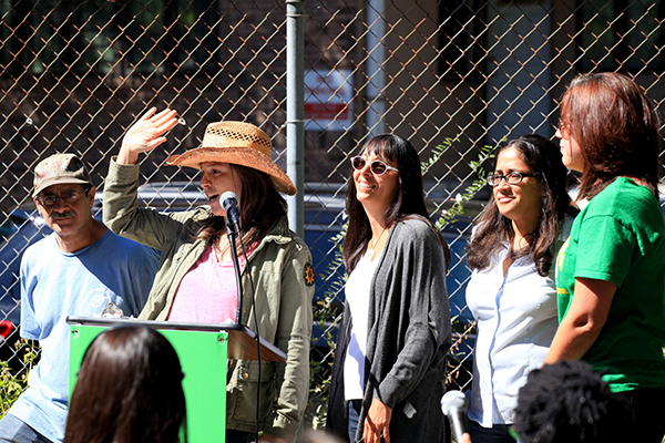 Photo (from l to r): Santiago Lopez, Brooke Singer, Stefani Bardin, Elizabeth Guzman and Nancy Kohn (former director of Greenthumb) in 2014.