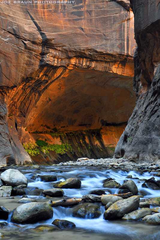 A sweeping bend in the Zion Narrows.