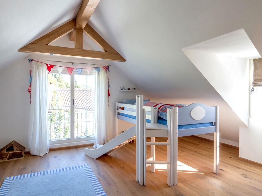 Kinderzimmer im fertiggestellten Dachgeschoss