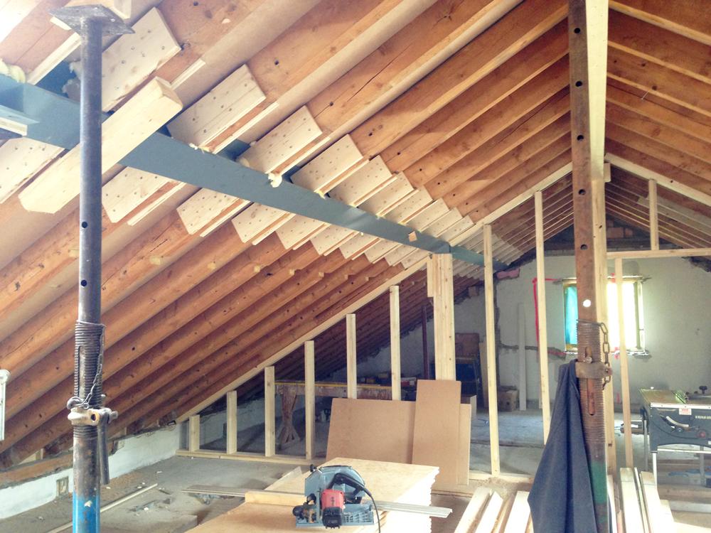 Dacharbeiten vor dem Ausbau