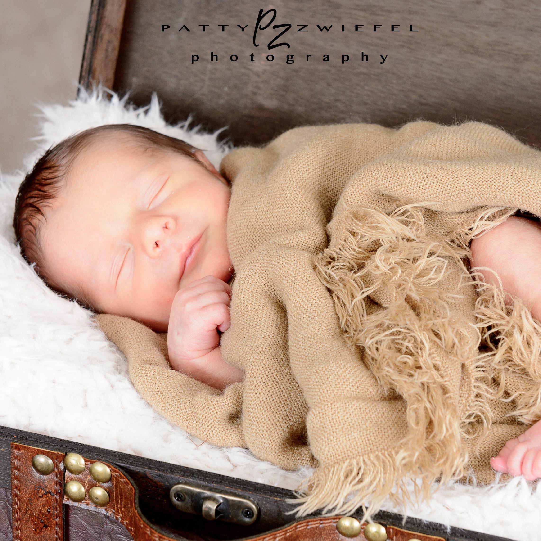 Newborn 18.jpg