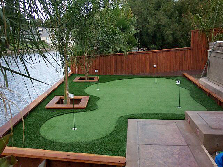 Artificial Grass for Putting Greens & Golf Courses