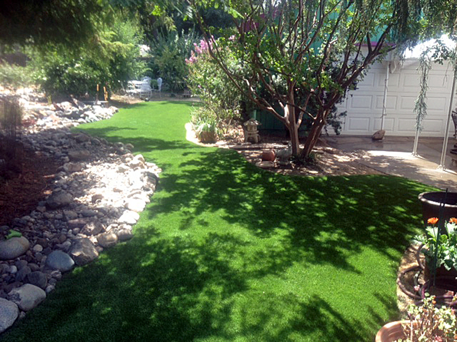artificial-grass-installation-corcoran-california-7161[1].jpg