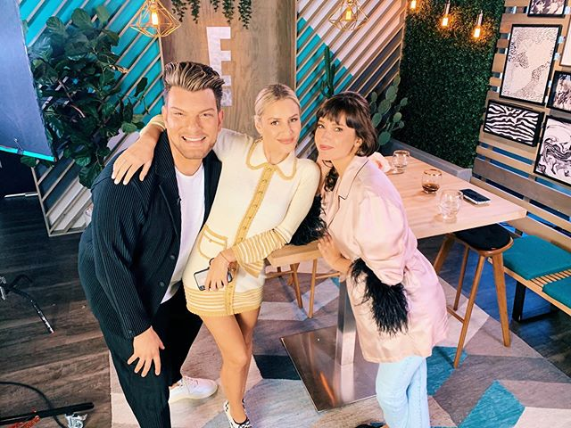 Got to join these two cheeky chicsters on E!'s @e_whatthefashion this week! ❤️😂❤️ Thanks for having me and for keeping me giggling all afternoon @morganstewart @justinmartindale ✨
