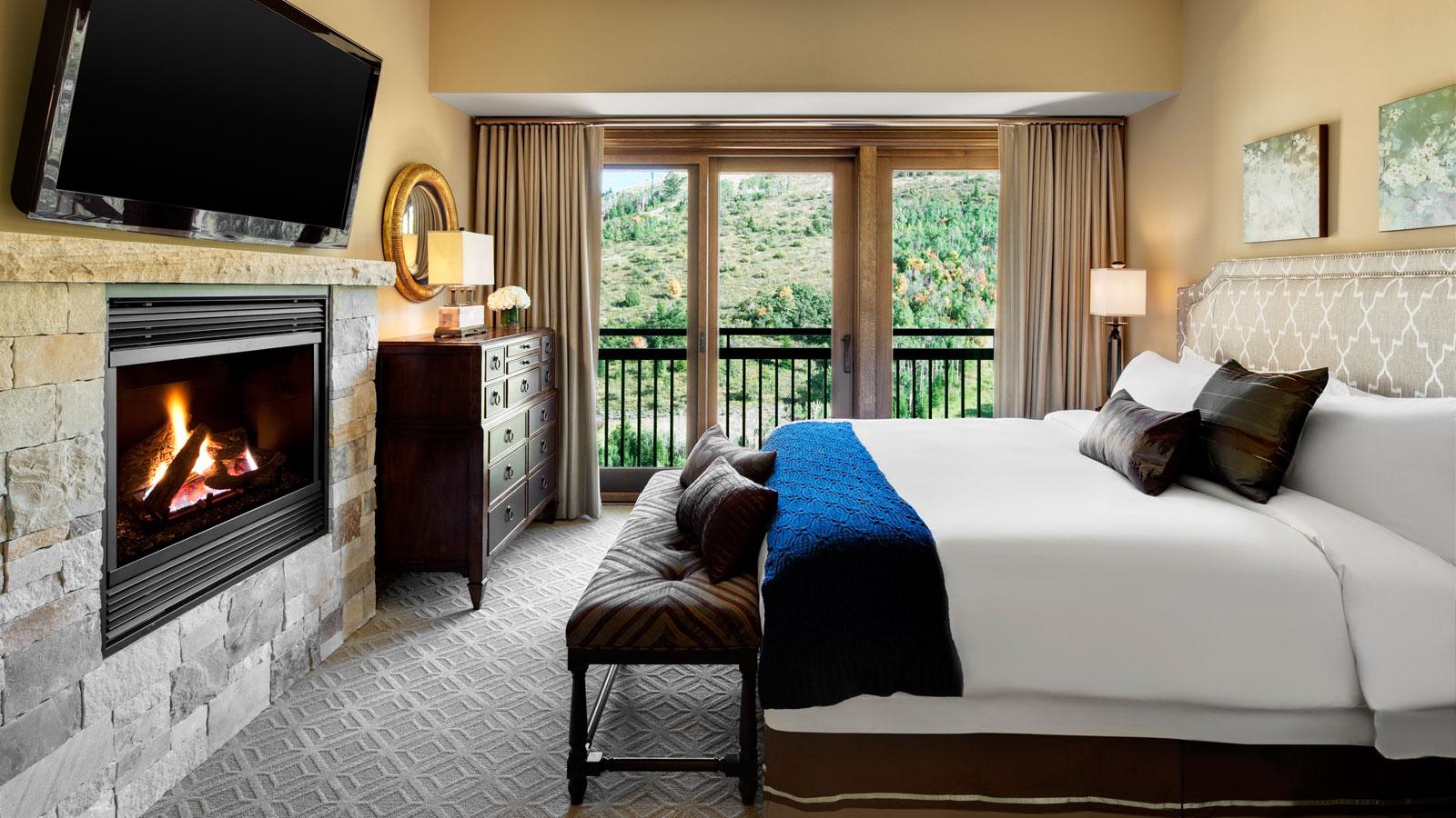 Presidential-Residence-Junior-Master-Bedroom.jpg