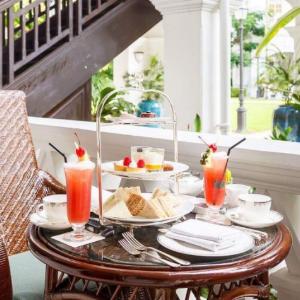 Singapore SlingThe Long Bar, Raffles Hotel Singapore -