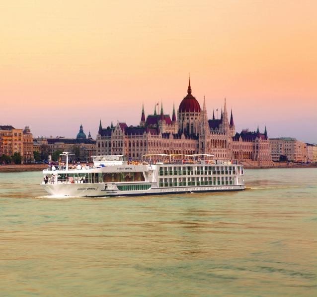 Scenic ship Budapest_638x597.jpg
