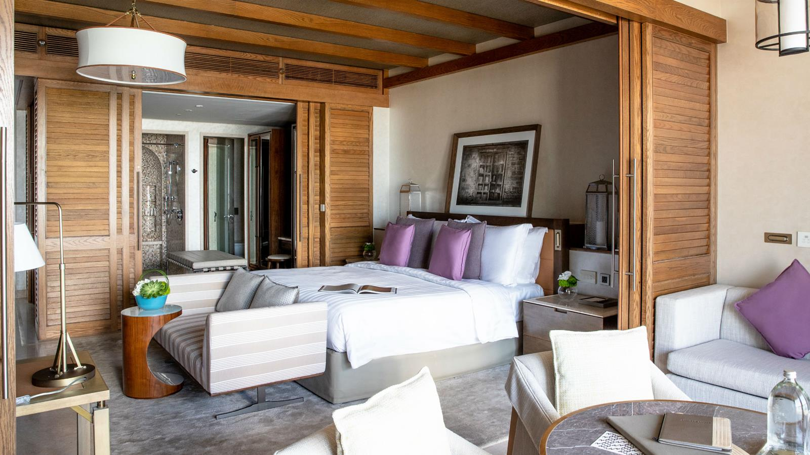 jumeirah-al-naseem-ocean-resort-superior-bedroom3-hero.jpg